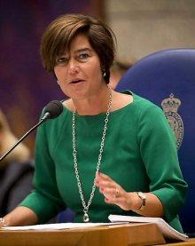 Mw. Van Miltenburg, voorzitter van de Tweede Kamer