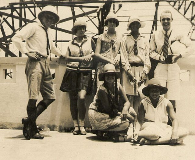 Groep jongeren tijdens excursie