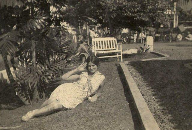 Meisje op grasveld