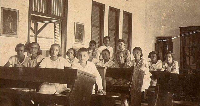 Schoolklas Soerabaja, ca. 1920