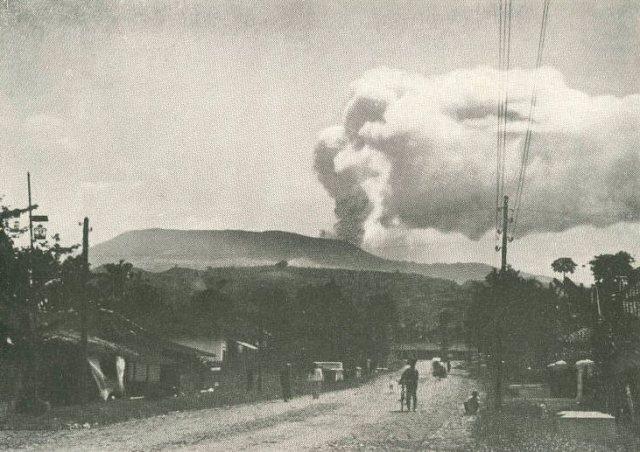 Eruptie Tangkoeban Prahoe, 1910.