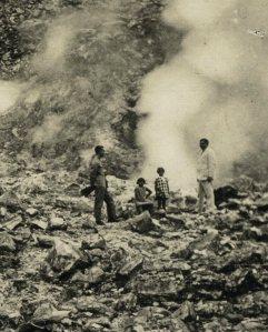 Een afdaling in de krater