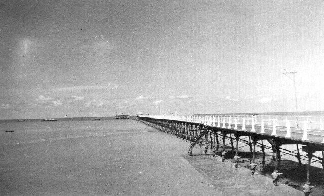 De pier van Muntok