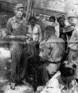 Jan Uitham (links) tijdens zijn verblijf in Indië