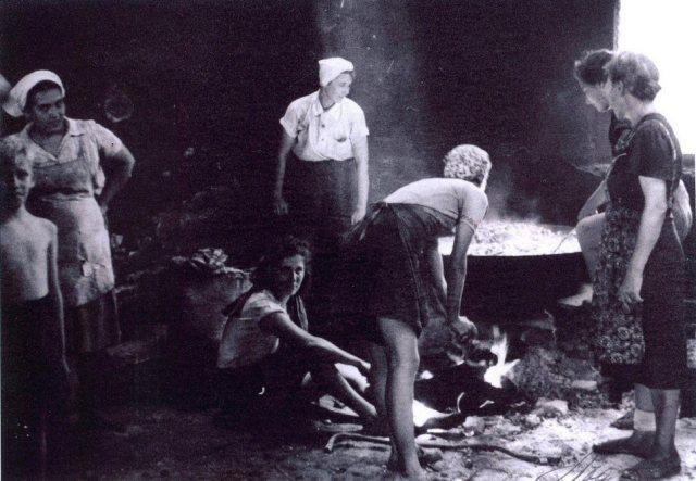 Lampersari-Sompok, keuken.