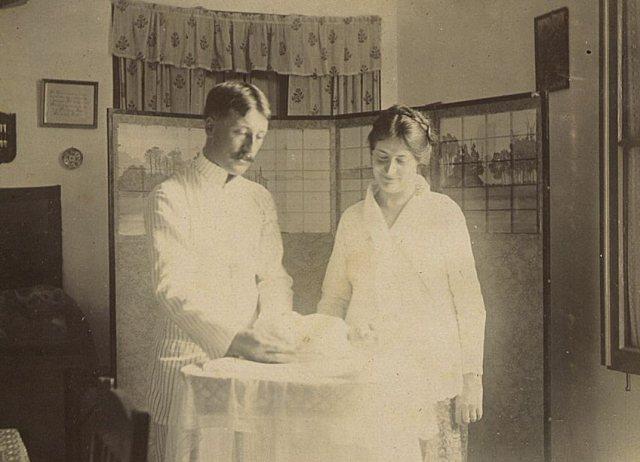 Gelukkige ouders, 1 oktober 1916.