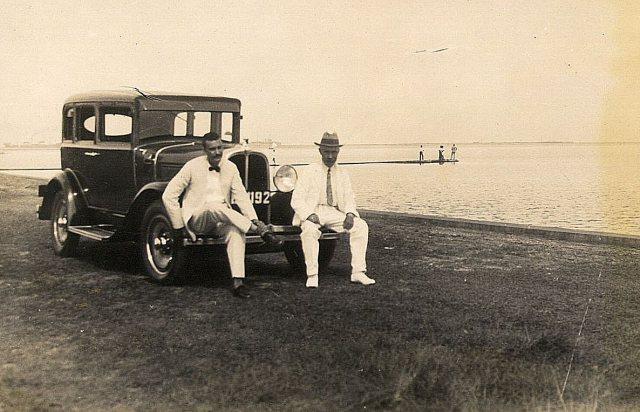 Arthur Persijn en collega Jan Vane, ca. 1930