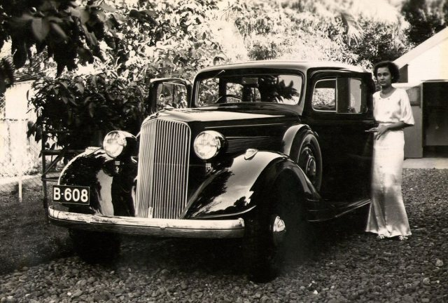De auto en Cornelie