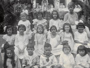 Het klasje van Alwine Persijn op de kloosterschool in Weltevreden, 1921.