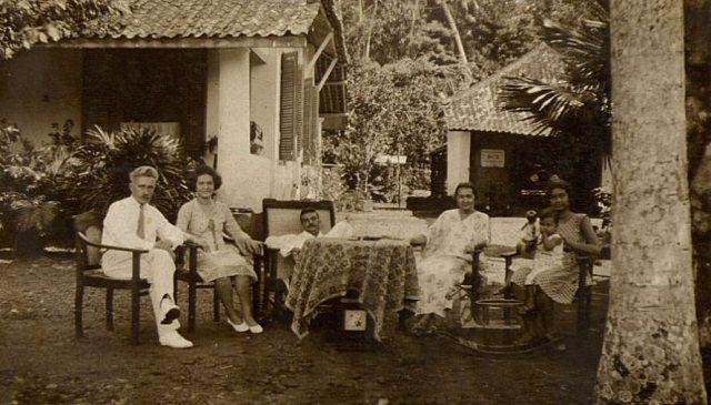 Collega Jan Vane op bezoek bij familie Persijn, ca. 1931, Mr. Cornelis.