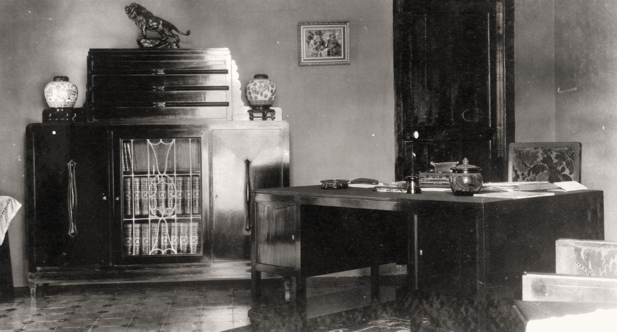 De amsterdamse school in indi java post for Carla de klerk interieur