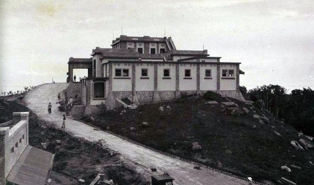 Hotel Menoembing, Muntok, ca. 1929.