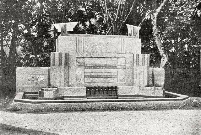 Monument op het terrein van het hoofdkantoor der SS en Tramwegen, 20 november 1926.