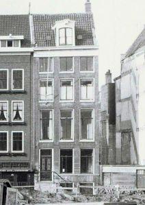 Nieuwe Herengracht 87, Amsterdam, het adres van het Nibeg Steuncomité in 1954. De foto is genomen in 1963, kort voor de sloop.