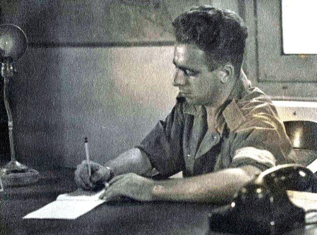 Evert-Jan Nijboer, schrijvend in zijn dagboek