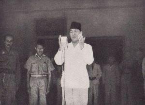 Soekarno roept de republiek uit, 17 augustus 1945