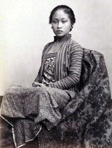 Jonge Indonesische vrouw, ca. 1885. Foto Kassian Céphas.