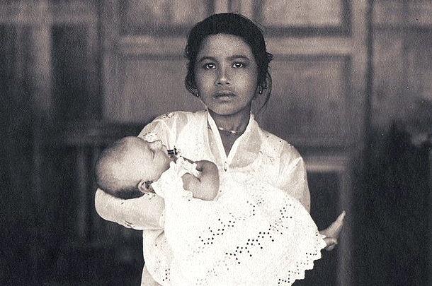 Baboe met 'Indisch mensenkind'?