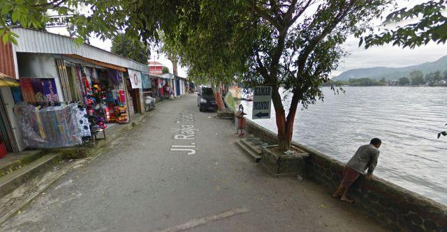 Sarangan, mei 2015, de weg langs het meer