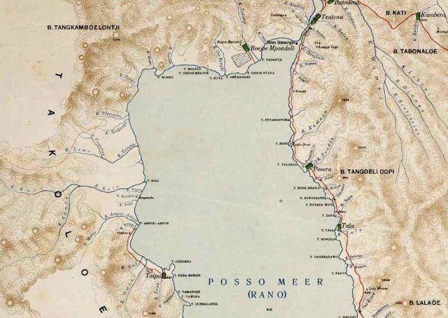 Noordkant van het posso Meer, Celebes. Rechtsboven Tentena.