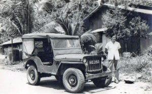 Toon Eestermans en jeep