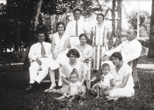 De grootouders en overgrootouders van de schrijver