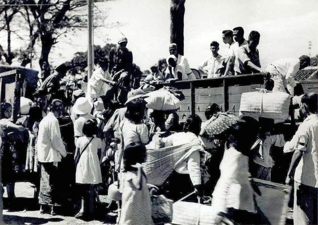 Chinese evacuees in Soerabaja