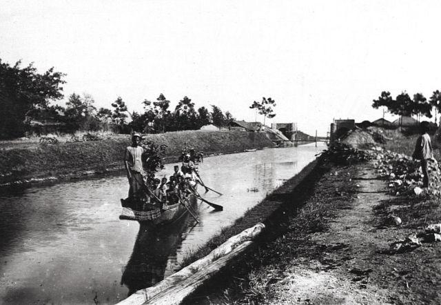 Het kanaal in 1910