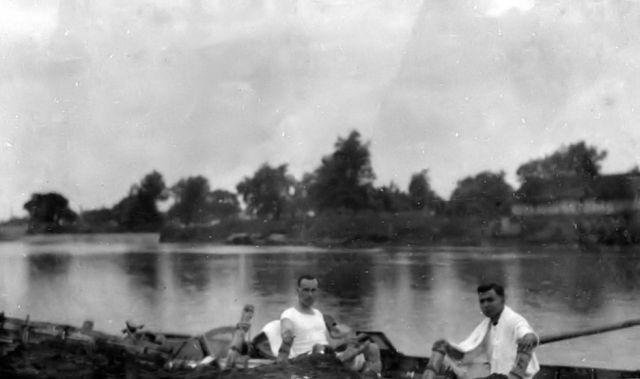Roeien op de Brantas, 1921