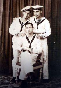 Felix Jans (rechts) als jonge marinier